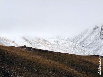 P1410125 - Ardonés, 3.11.12, la montaña de Cerler.