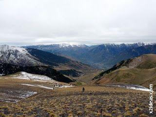 P1410135 - Ardonés, 3.11.12, la montaña de Cerler.