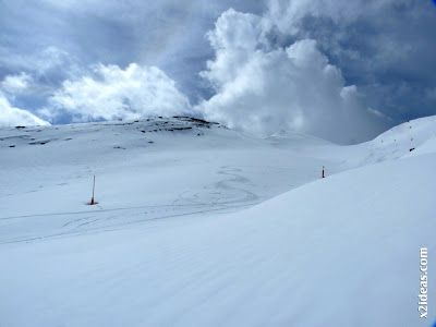 P1450280 - Gallinero después de nevar anoche.
