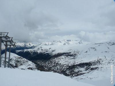 P1450310 - Gallinero después de nevar anoche.