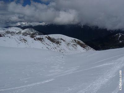 P1460062 - Ascensión al Pico Castanesa (2858 m) y su bajada ...
