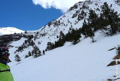 P1460163 - Ascensión al Pico Castanesa (2858 m) y su bajada ...