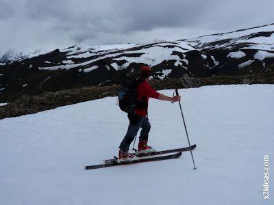 P1460482 - Seguimos esquiando ... a la espera a que mejore el tiempo.