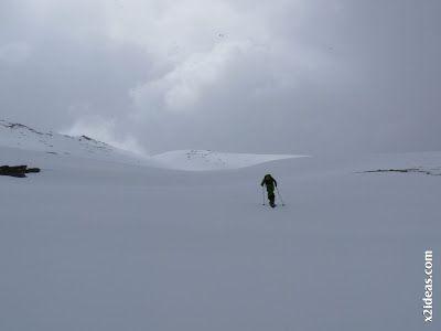 P1460484 - Seguimos esquiando ... a la espera a que mejore el tiempo.