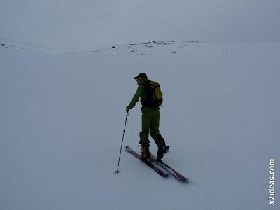 P1460489 - Seguimos esquiando ... a la espera a que mejore el tiempo.