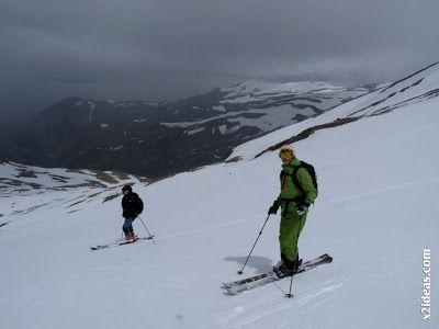 P1460504 - Seguimos esquiando ... a la espera a que mejore el tiempo.