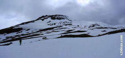 Panorama 2 001 - Seguimos esquiando ... a la espera a que mejore el tiempo.