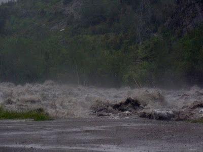 P1460989 - Incomunicados en el Valle de Benasque, 18/06/2013