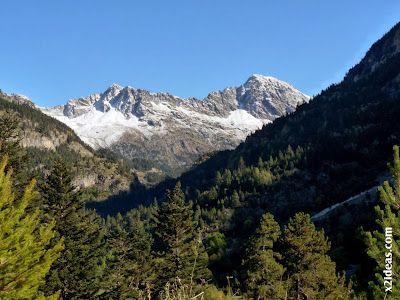 P1490889 - En octubre ya vemos nieve en el Valle de Benasque