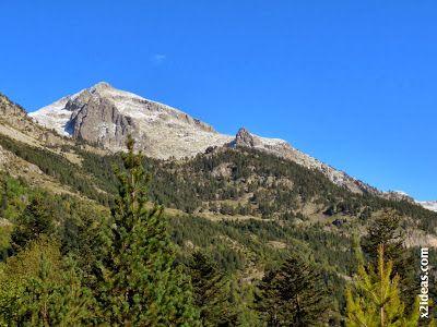 P1490890 - En octubre ya vemos nieve en el Valle de Benasque