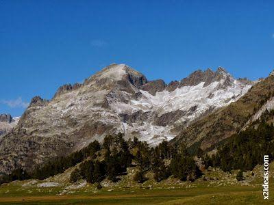 P1490912 - En octubre ya vemos nieve en el Valle de Benasque