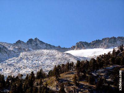 P1490933 - En octubre ya vemos nieve en el Valle de Benasque