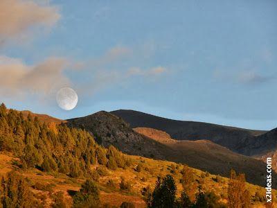 P1490963 - Otoño con luna, Cerler.