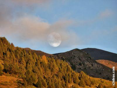 P1490964 - Otoño con luna, Cerler.