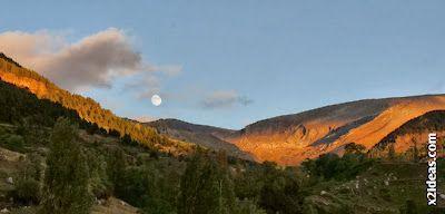 P1490973 - Otoño con luna, Cerler.