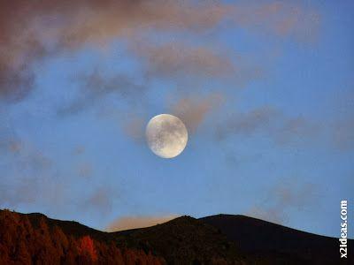 P1490974 - Otoño con luna, Cerler.