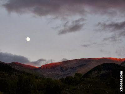 P1490976 - Otoño con luna, Cerler.