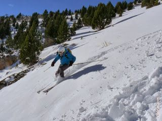 P1510084 - Pico de Cerler esquiando.
