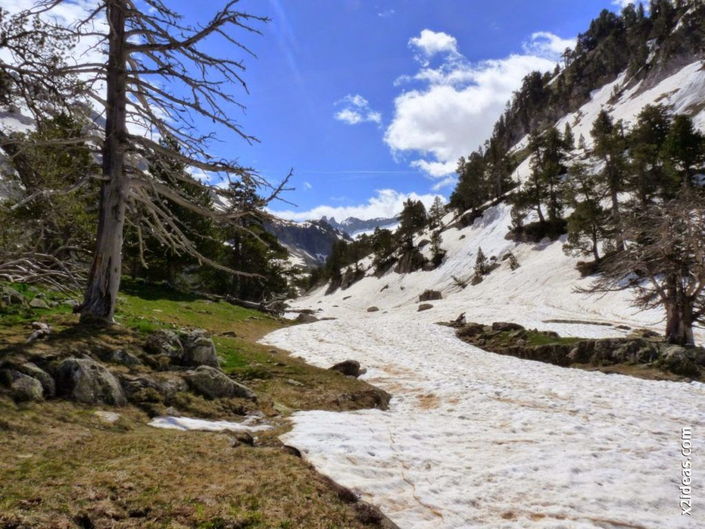 P1540388 1024x768 - Pisando nieve por Aigualluts, Valle de Benasque