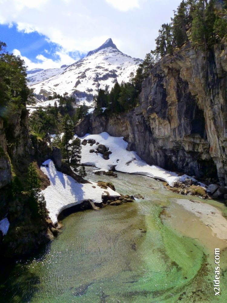 P1540400 - Pisando nieve por Aigualluts, Valle de Benasque