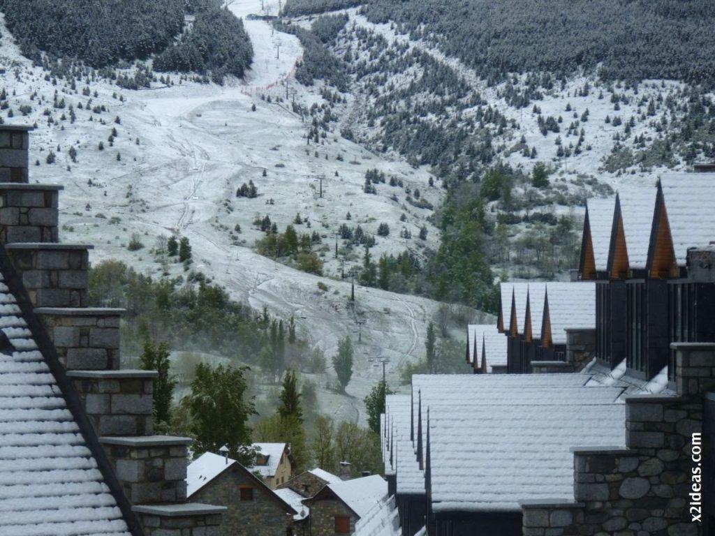 P1540795 1024x768 - Casi cerrando Mayo, con nieve en Cerler.