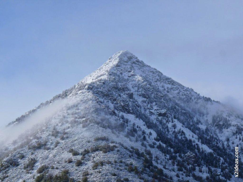 P1540806 1024x768 - Casi cerrando Mayo, con nieve en Cerler.