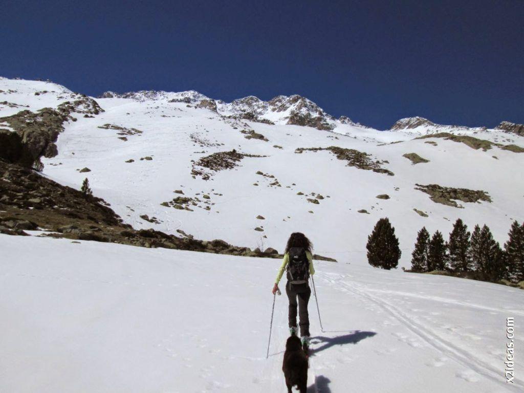 IMG 0092 1024x768 - Esquiando en el Glaciar de Maladeta en junio.