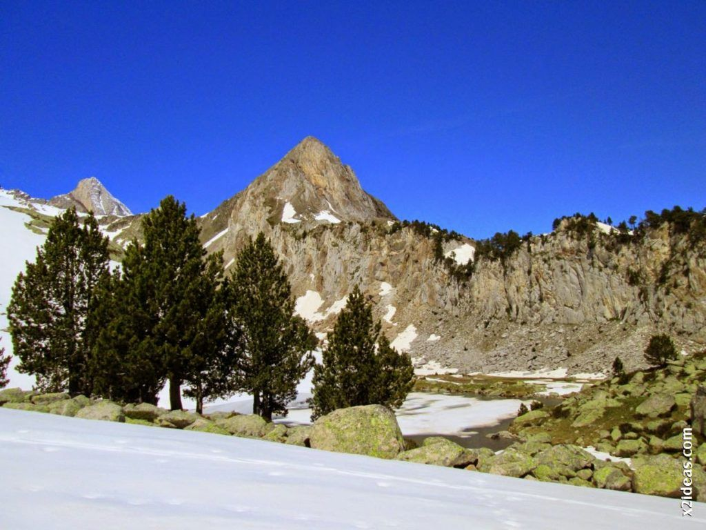 IMG 0096 1024x768 - Esquiando en el Glaciar de Maladeta en junio.
