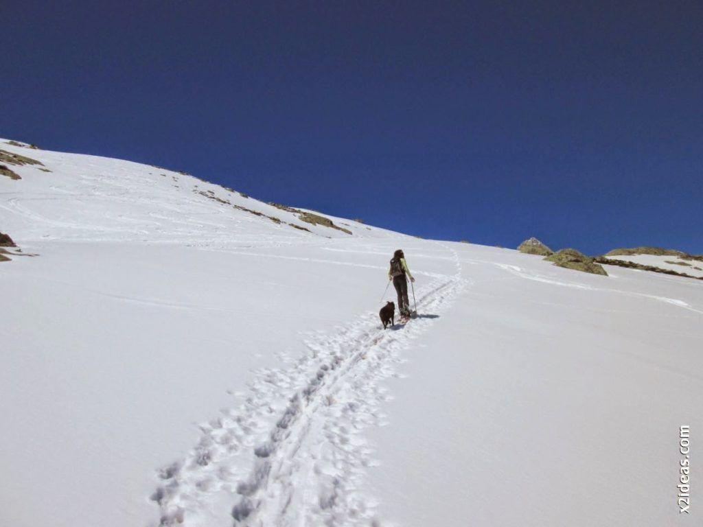 IMG 0099 1024x768 - Esquiando en el Glaciar de Maladeta en junio.
