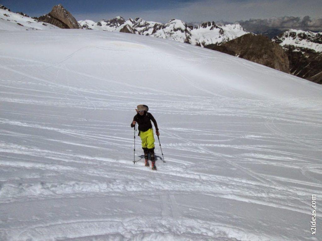 IMG 0102 1024x768 - Esquiando en el Glaciar de Maladeta en junio.