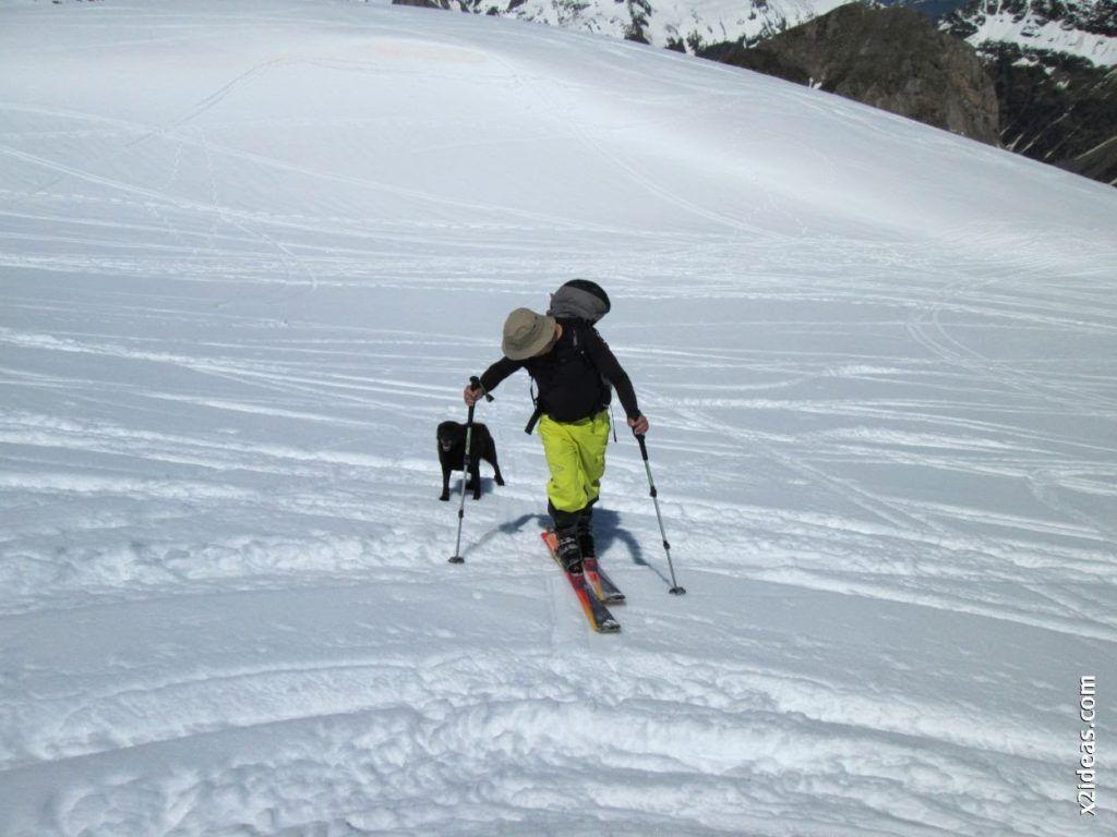 IMG 0103 1024x768 - Esquiando en el Glaciar de Maladeta en junio.