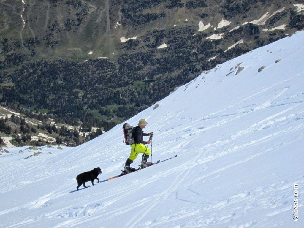 IMG 0110 1024x768 - Esquiando en el Glaciar de Maladeta en junio.