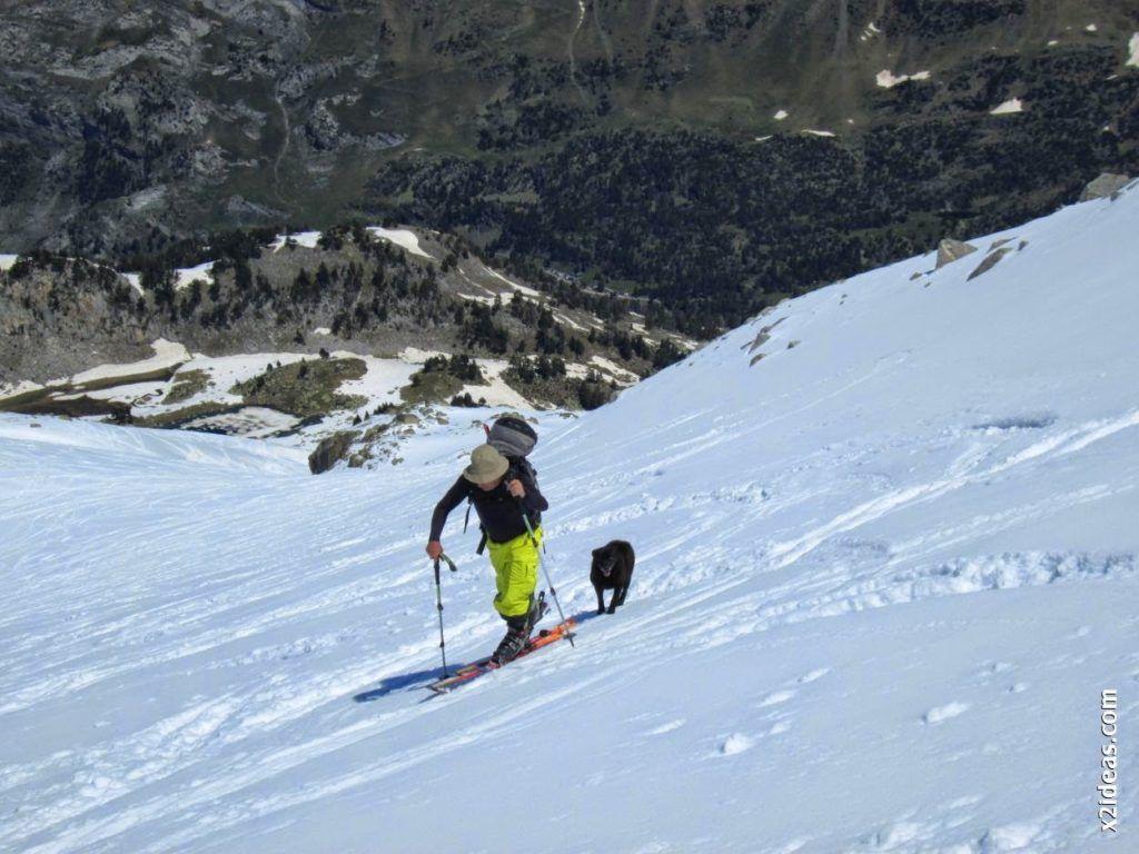 IMG 0113 1024x768 - Esquiando en el Glaciar de Maladeta en junio.