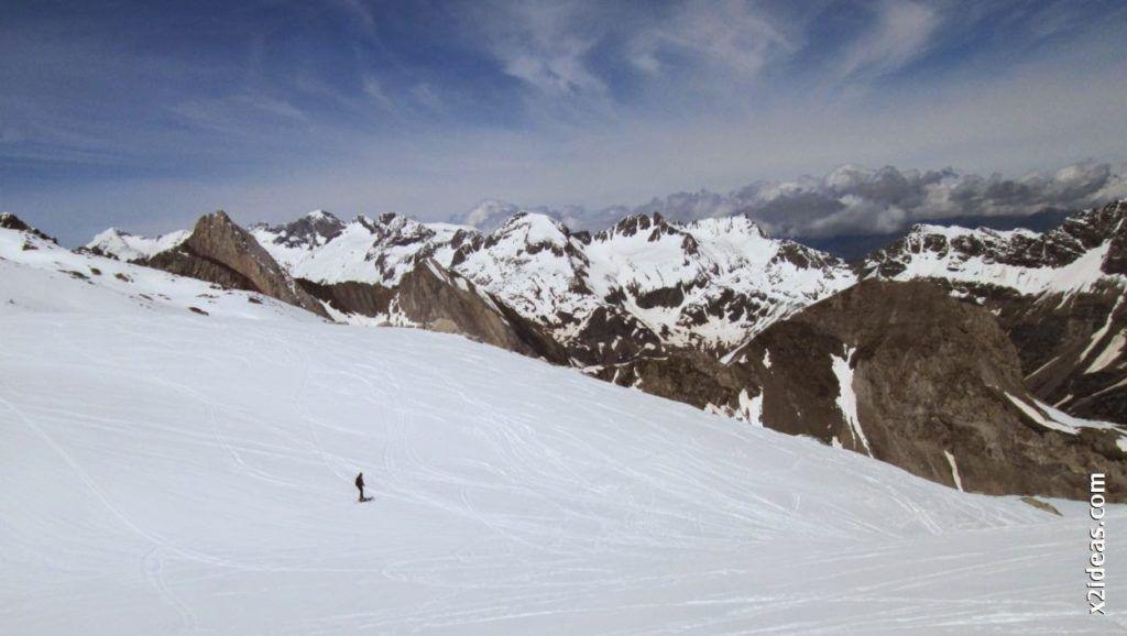 IMG 0131 1024x578 - Esquiando en el Glaciar de Maladeta en junio.
