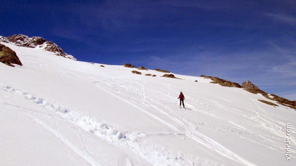 IMG 0132 1024x577 - Esquiando en el Glaciar de Maladeta en junio.