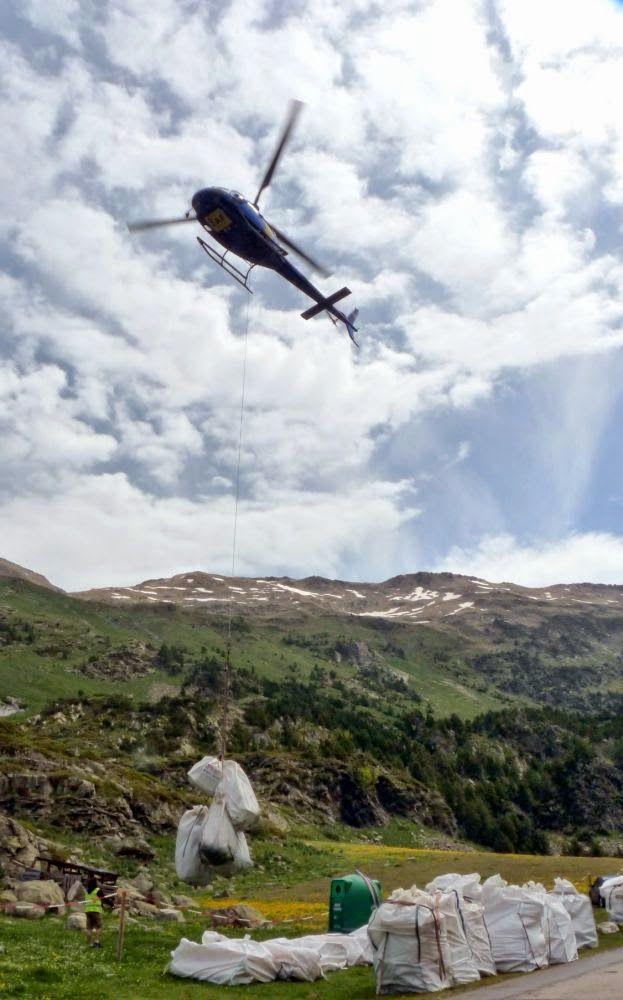 P1550182 - Volando voy ... al Refugio de La Renclusa, Valle de Benasque.