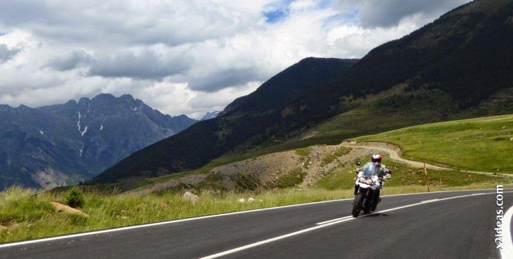 P1000506 1024x518 - Triumph en Cerler, Valle de Benasque, Pirineos