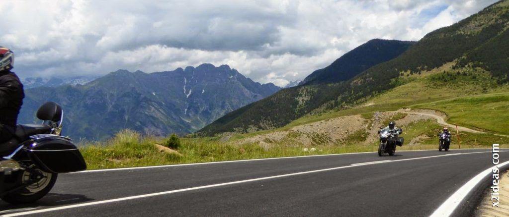 P1000508 1024x438 - Triumph en Cerler, Valle de Benasque, Pirineos