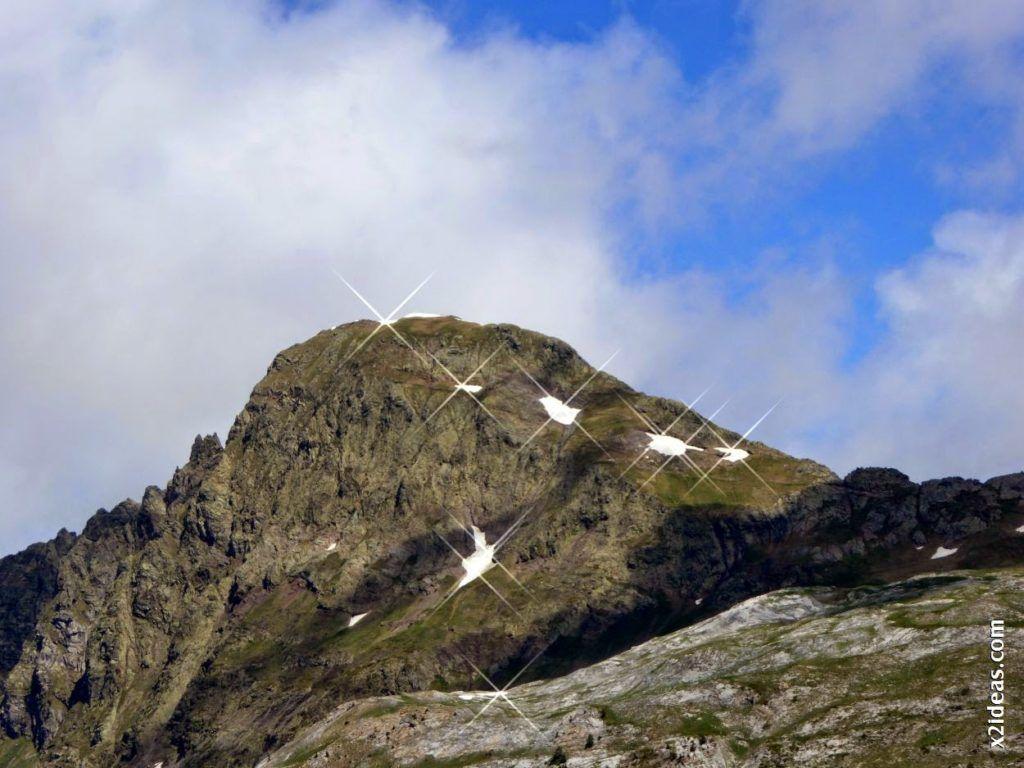 P1000621 1024x768 - Porteando camino a La Renclusa, Valle de Benasque, Pirineos.