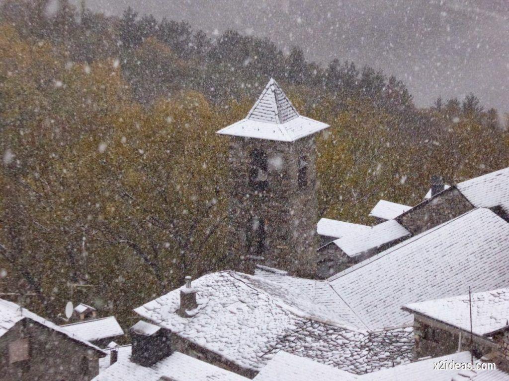 P1040265 1024x768 - Noviembre empieza con nieve en Cerler y el Valle de Benasque.