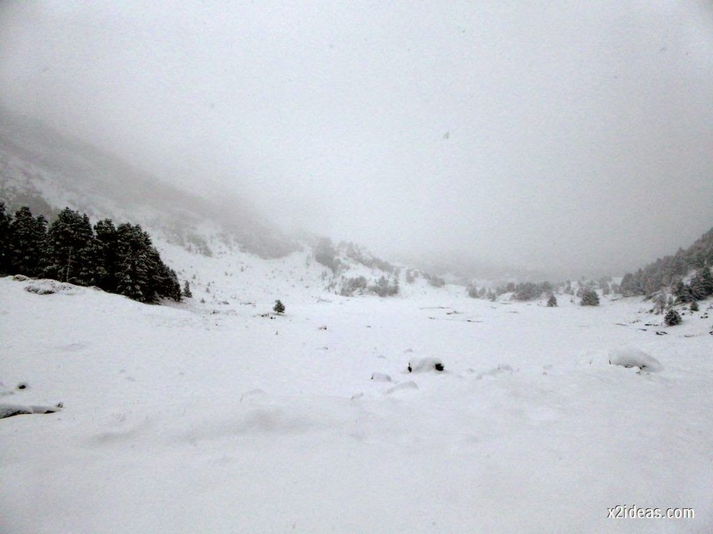 P1040280 1024x768 - Noviembre empieza con nieve en Cerler y el Valle de Benasque.