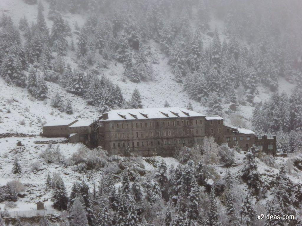 P1040289 1024x768 - Noviembre empieza con nieve en Cerler y el Valle de Benasque.