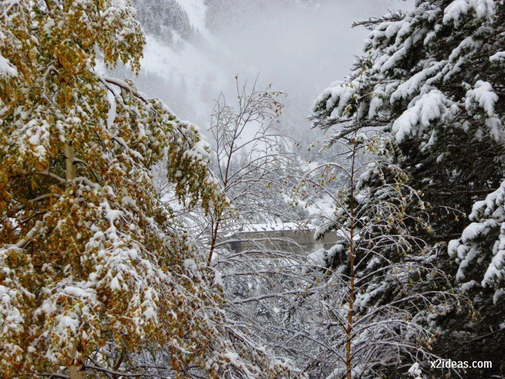 P1040293 1024x768 - Noviembre empieza con nieve en Cerler y el Valle de Benasque.