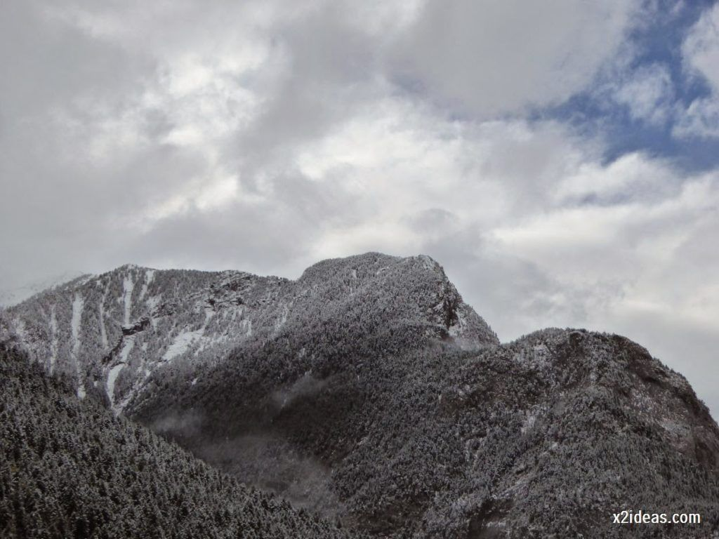 P1040299 1024x768 - Noviembre empieza con nieve en Cerler y el Valle de Benasque.