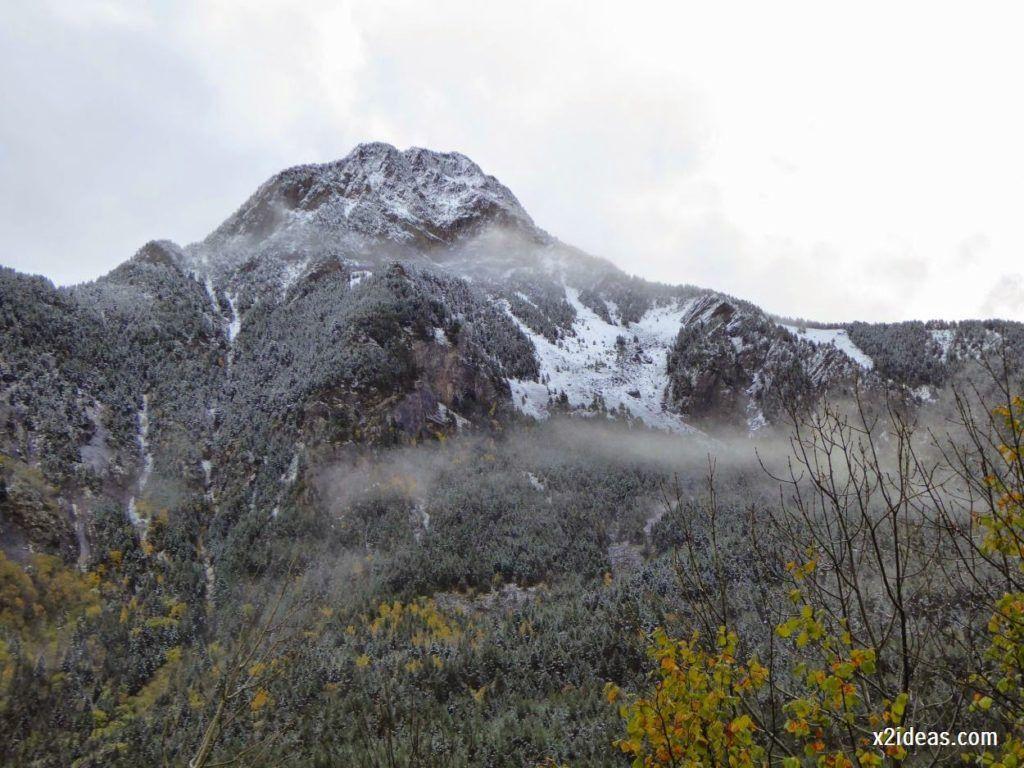 P1040302 1024x768 - Noviembre empieza con nieve en Cerler y el Valle de Benasque.