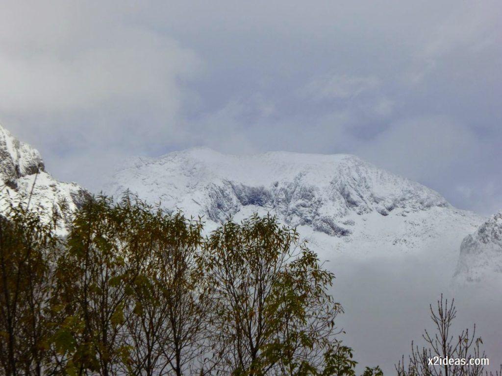 P1040311 1024x768 - Noviembre empieza con nieve en Cerler y el Valle de Benasque.