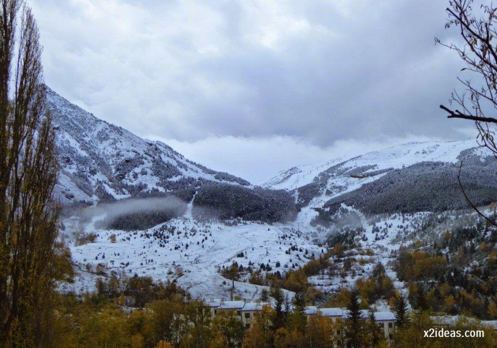 P1040315 1024x718 - Noviembre empieza con nieve en Cerler y el Valle de Benasque.