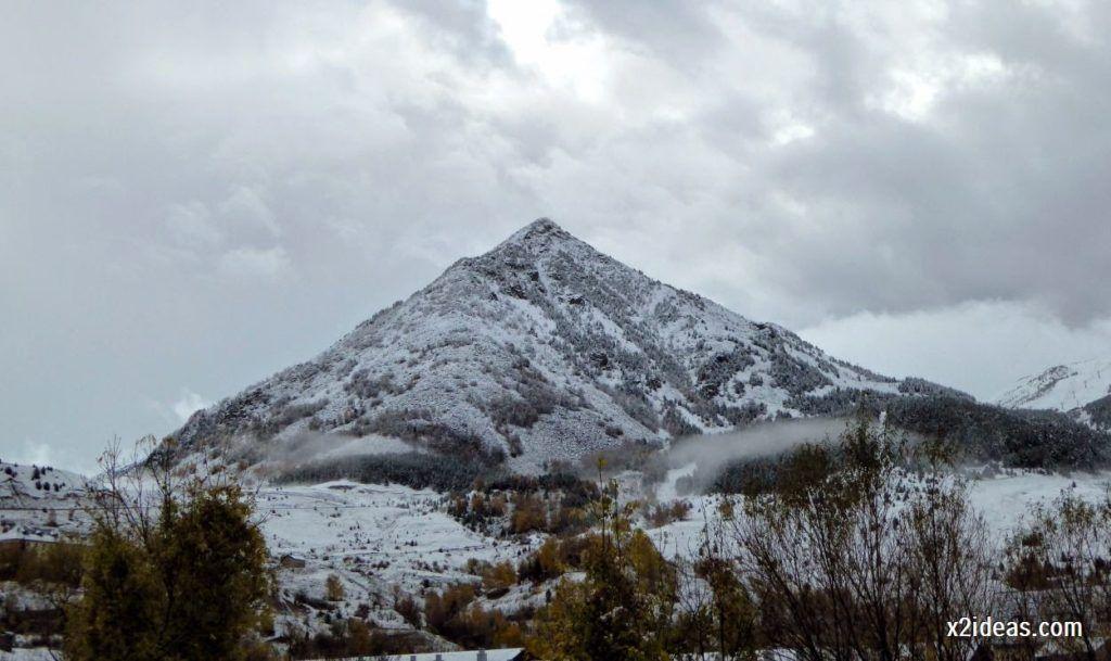 P1040316 1024x609 - Noviembre empieza con nieve en Cerler y el Valle de Benasque.