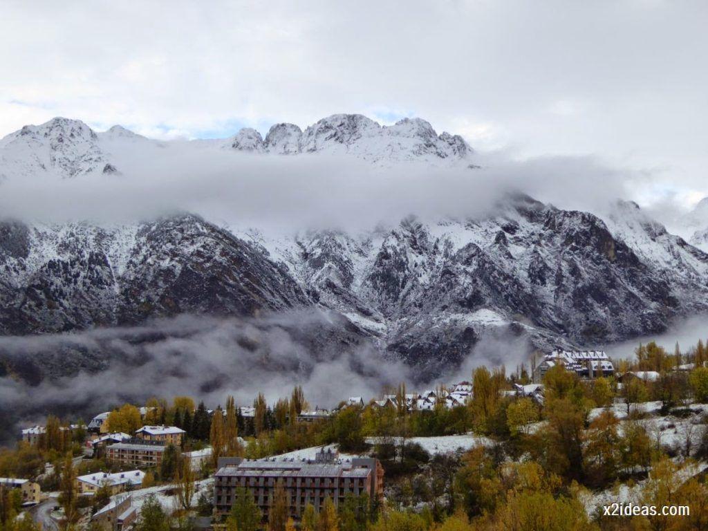 P1040323 1024x768 - Noviembre empieza con nieve en Cerler y el Valle de Benasque.