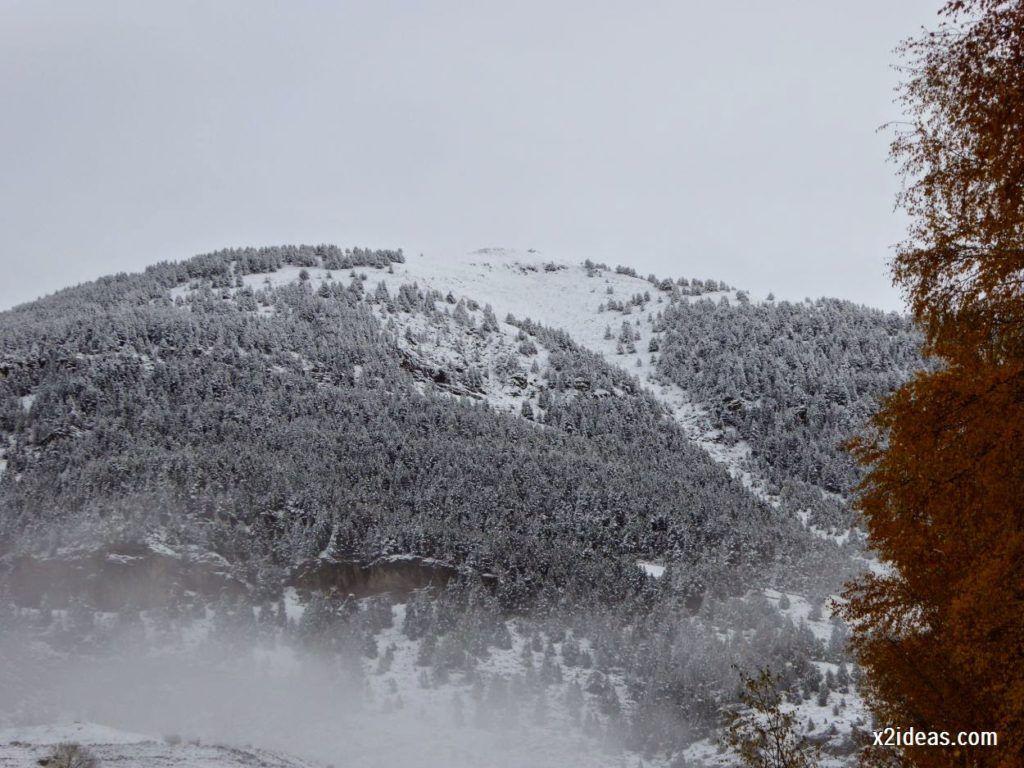 P1040324 1024x768 - Noviembre empieza con nieve en Cerler y el Valle de Benasque.